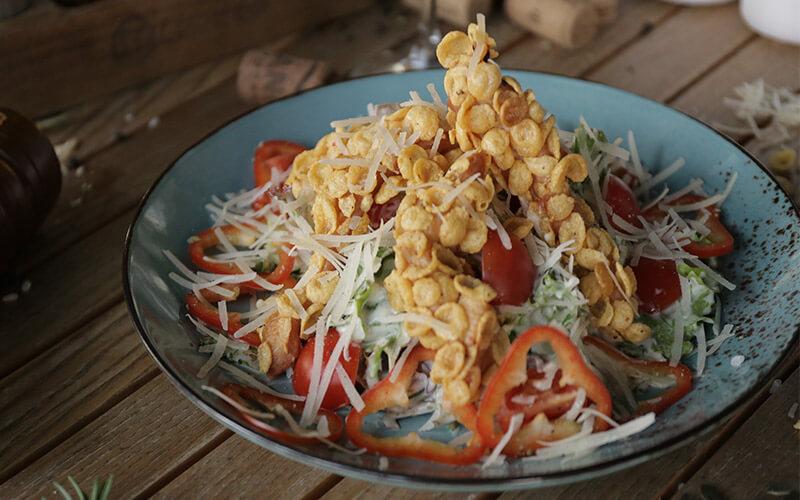 pileća hrskava salata
