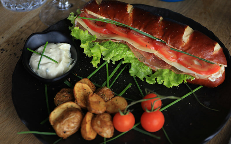 T6 bavarski sendvič